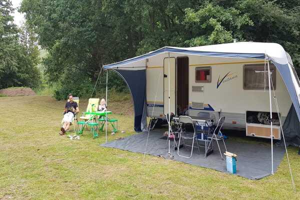 kamperen met eigen verblijf